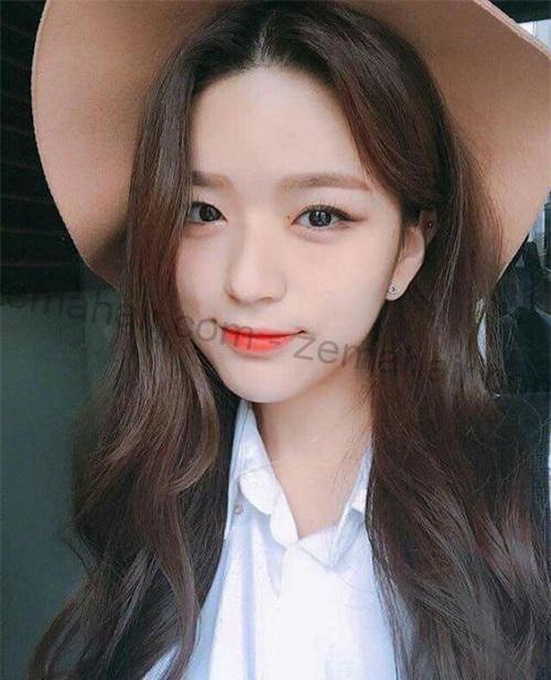 Đứng hình với kiểu tóc xoăn lọn to Hàn Quốc