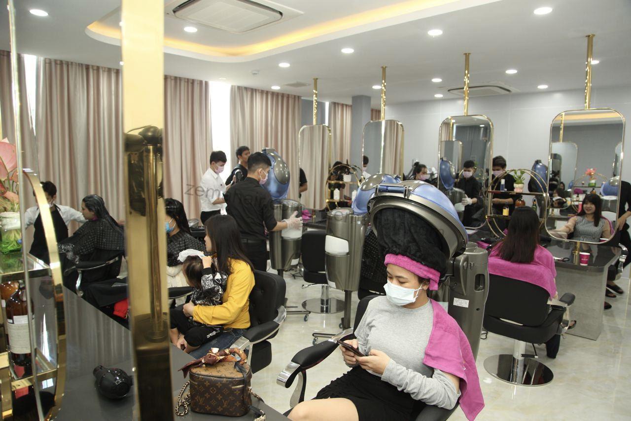 Dịch vụ duỗi tóc tại Zema Hair