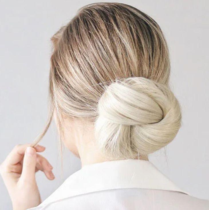 Kết hợp với màu nhuộm sáng giúp mái tóc thêm phần nổi bật