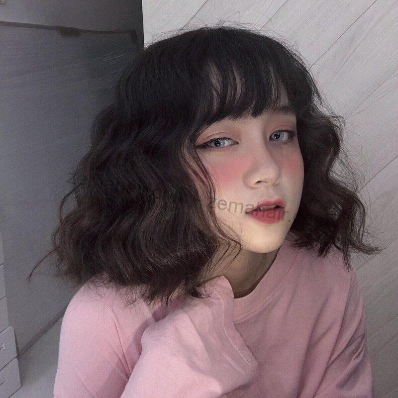Dễ thương với kiểu tóc ngắn xoăn nhẹ Hàn Quốc