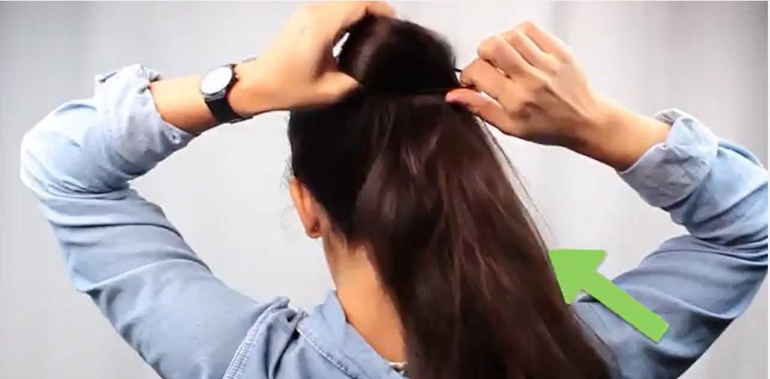 Cách buộc tóc đuôi ngựa đẹp nhất bằng dây buộc tóc.