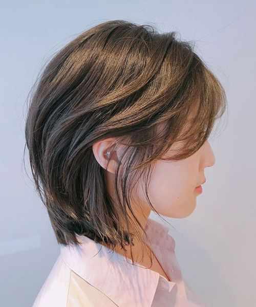 Mẫu tóc ngắn layer sành điệu, trẻ trung.