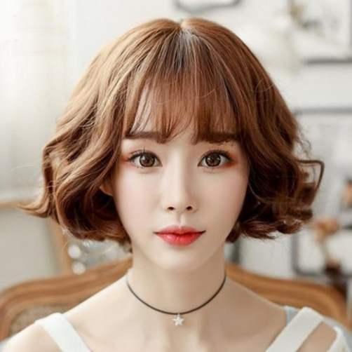 Kiểu tóc phù hợp cho nàng đi dạo phố, đi tiệc thoải mái, tự tin.