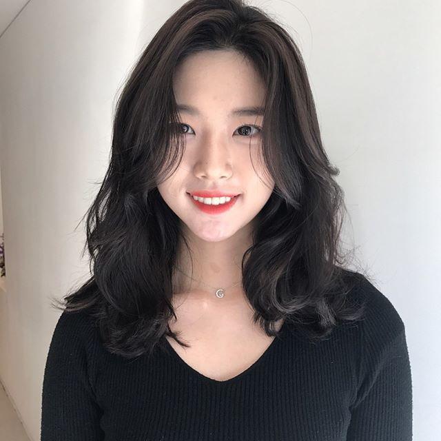 Kiểu tóc xoăn sóng lơi quyến rũ cho nàng
