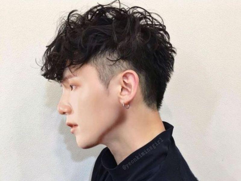 Mái tóc layer xoăn rối đầy cá tính cho nam giới