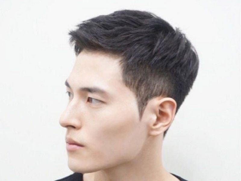 Tóc ngắn undercut siêu nam tính với phần mái ngắn