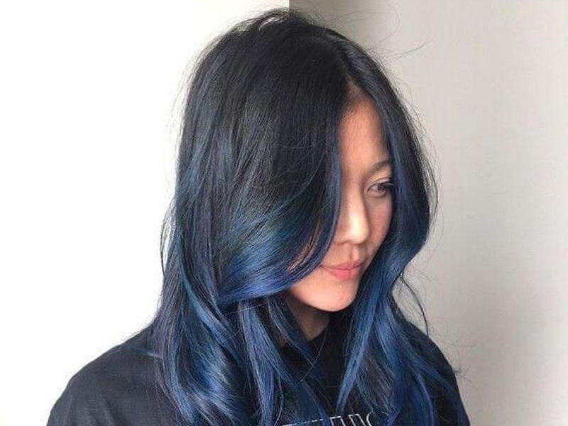 Màu tóc nâu ánh rêu hiện đại bắt mắt