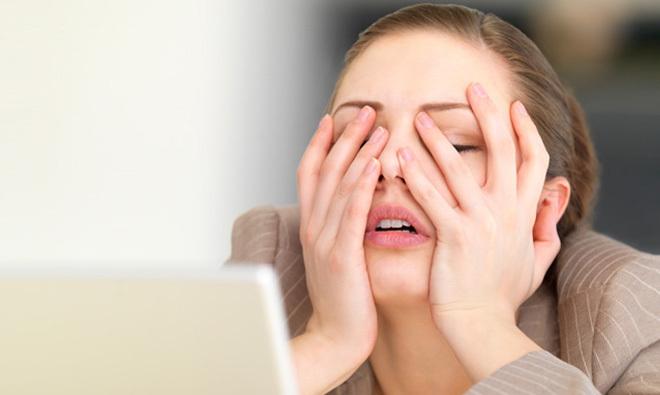 Căng thẳng là nguyên nhân hàng đầu gây ra các tình trạng mệt mỏi, dễ rụng tóc