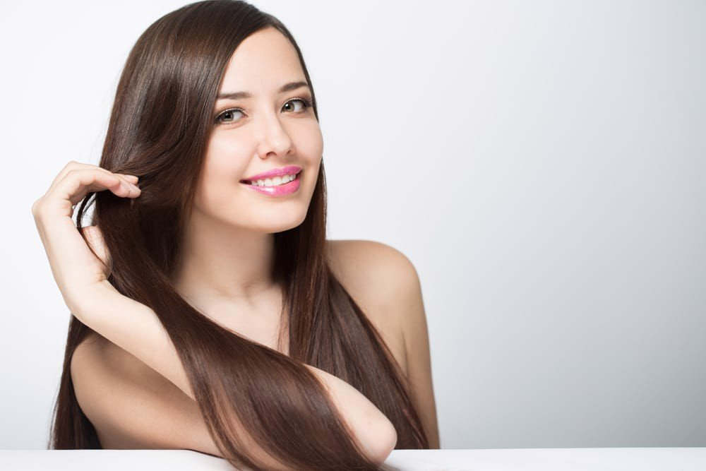 Dùng thuốc nhuộm có dưỡng chất giúp mái tóc không bị khô xơ sau khi nhuộm tóc