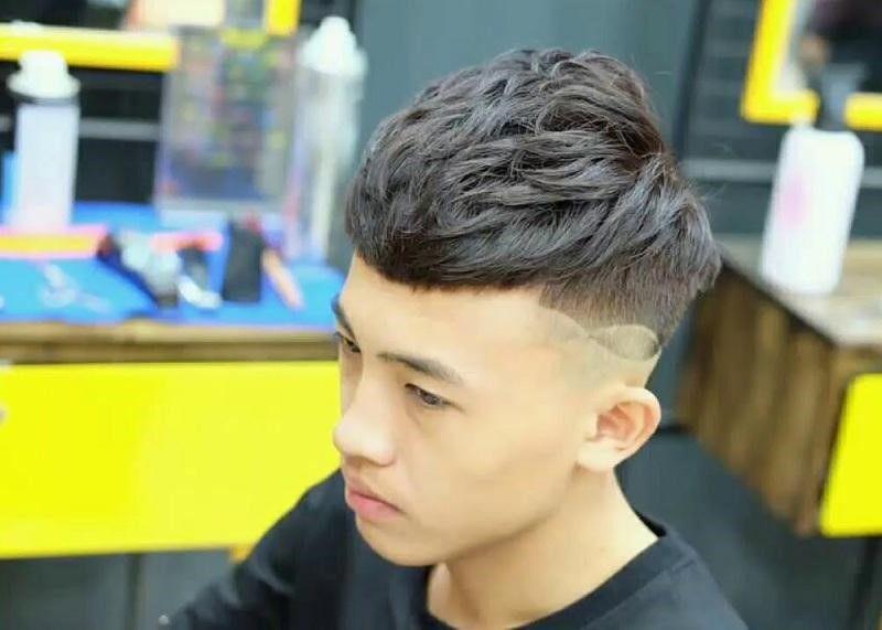 Mẫu tóc mohican kiểu layer hoàn hảo cho cánh đàn ông.