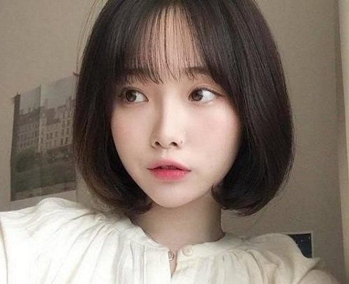 Tóc mái thưa hợp với các cô nàng tóc ngắn.
