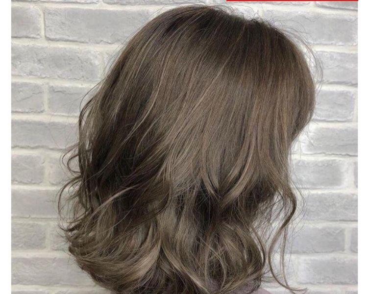 Nên dùng dầu xả để tóc nhuộm bóng mượt hơn