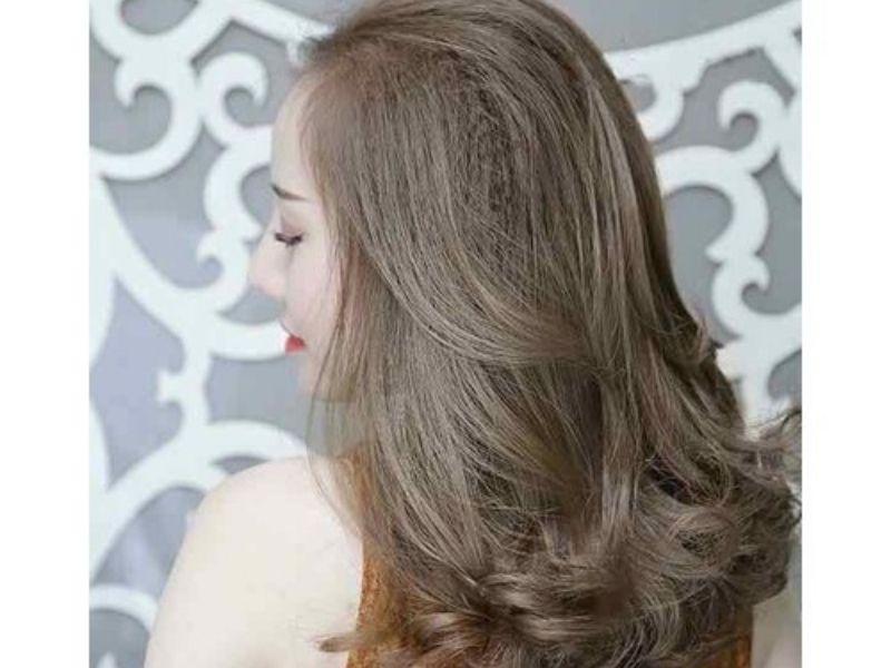 Khi nhuộm tóc nâu tây tóc cần được chăm sóc đúng cách