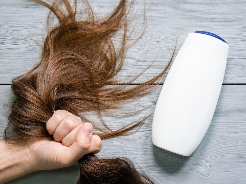 Dầu gội chứa keratin thích hợp cho mái tóc uốn nhất