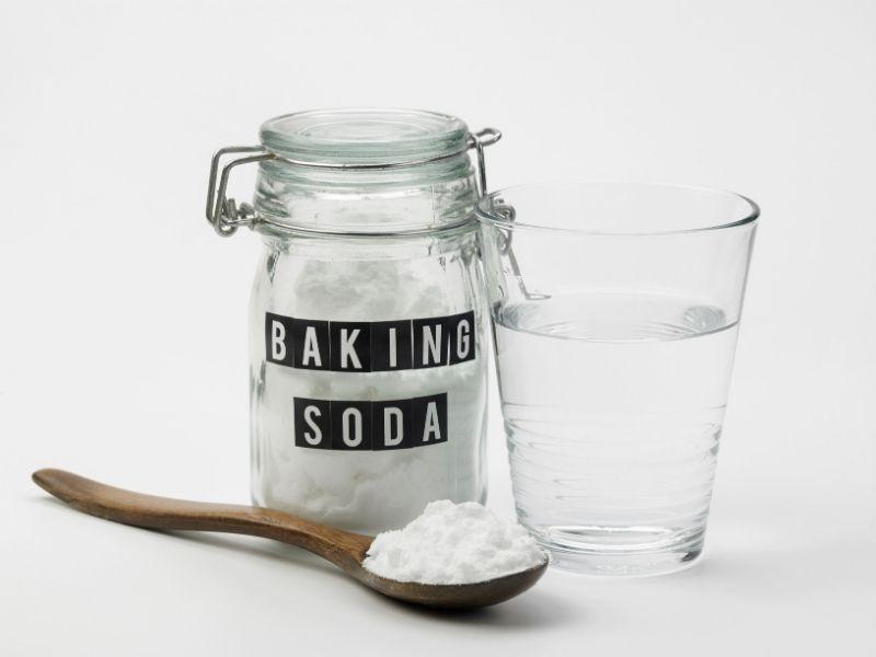 Baking soda hoà loãng với nước mới bắt đầu dùng cho tóc