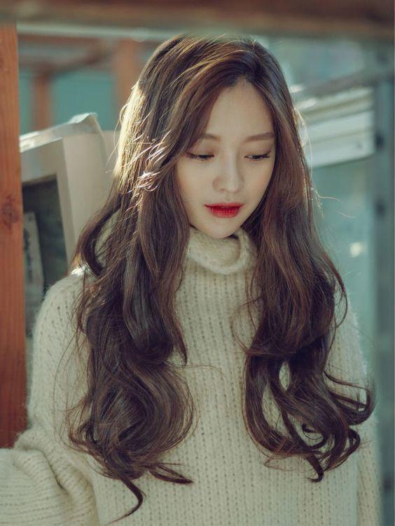 Kiểu tóc uốn đẹp tự nhiên rất được ưa chuộng