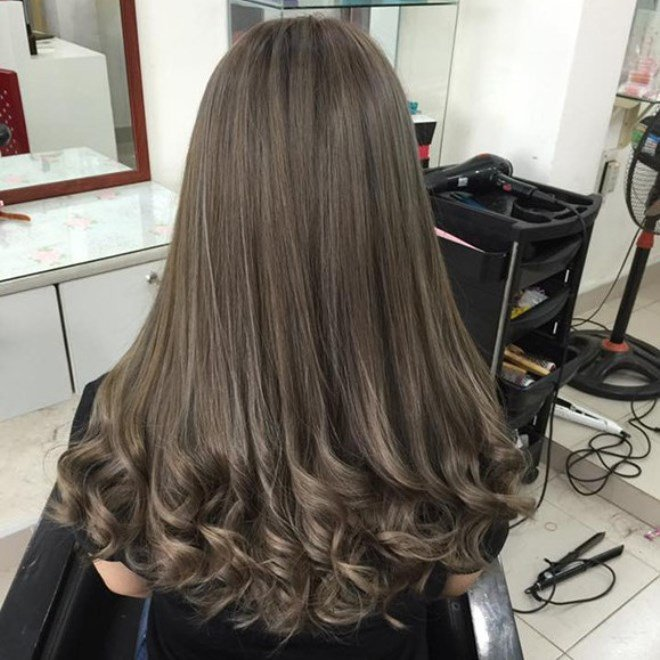 Tóc dài cực xinh khi uốn setting