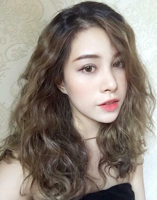 Kiểu tóc đẹp này rất hợp với các nàng mặt vuông hoặc tròn