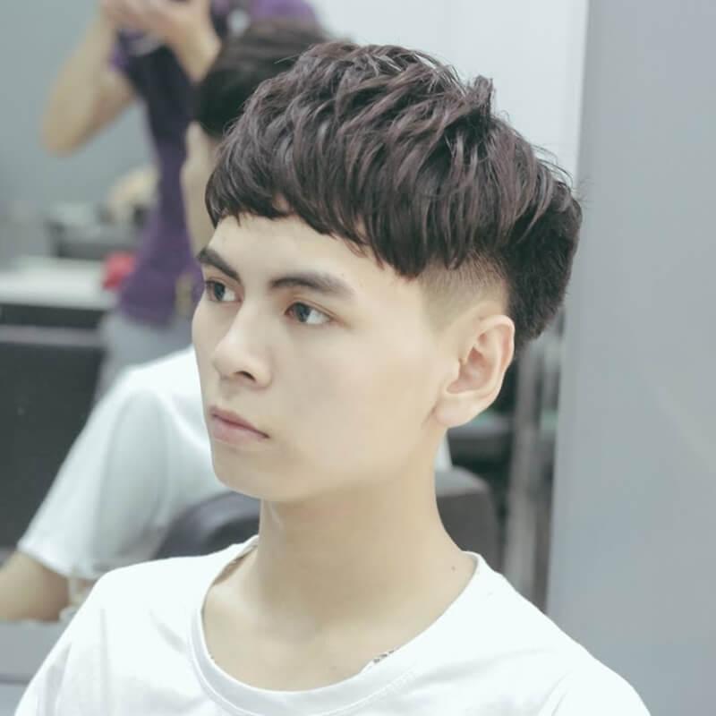 Mái tóc layer giúp che khuyết điểm mặt tròn hiệu quả