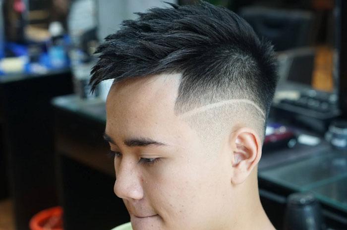 Kiểu tóc dựng mang tới vẻ đẹp đầy phóng khoáng cho các bạn mặt tròn