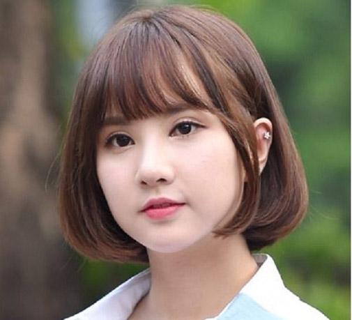 Mái tóc ngắn cũng có rất nhiều kiểu hợp với nàng mặt tròn