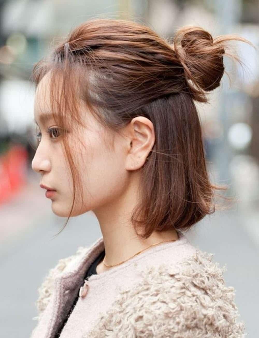 Tóc ngắn búi nửa đầu rất được ưa thích