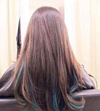 Nền tóc nâu hạt dẻ hợp bất kỳ màu highlight nào
