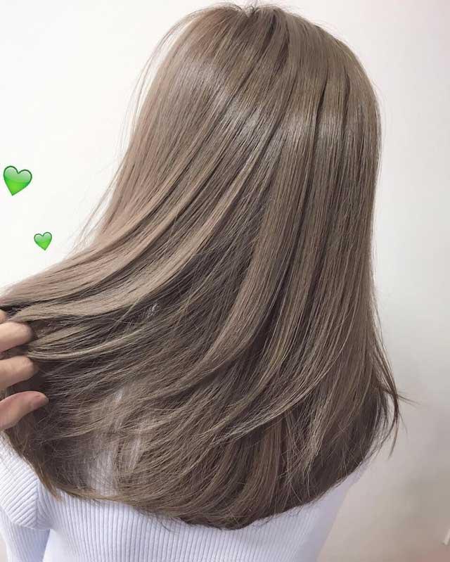 Nhuộm màu hạt dẻ ánh khói không phải tẩy tóc