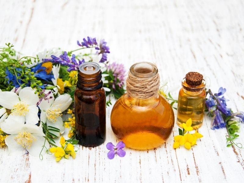 Tinh dầu thiên nhiên an toàn cho da đầu và tốt cho tóc