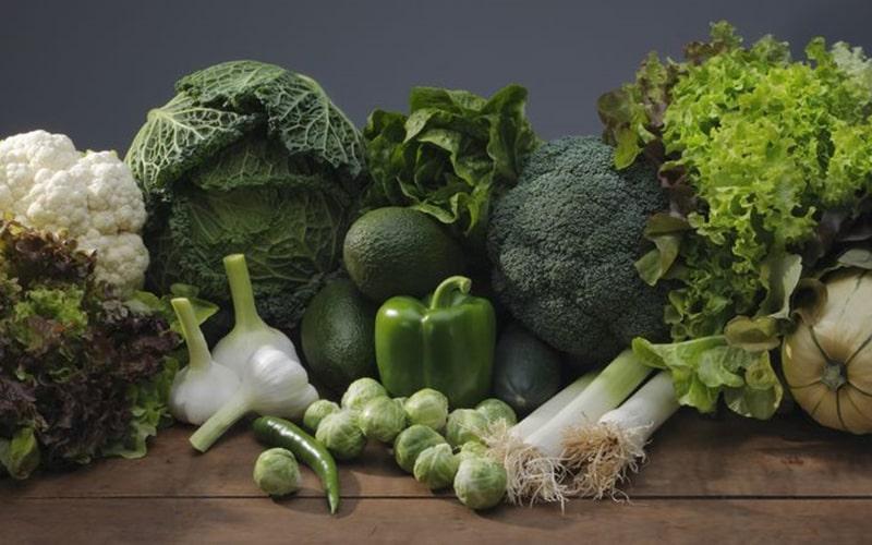 Ăn nhiều rau có màu xanh sẫm cho tóc đẹp