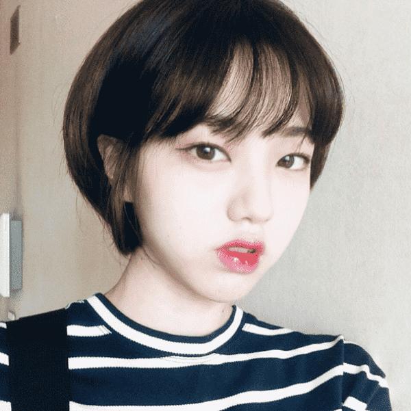 Tóc ngắn cá tính không làm lộ nhược điểm mặt dài