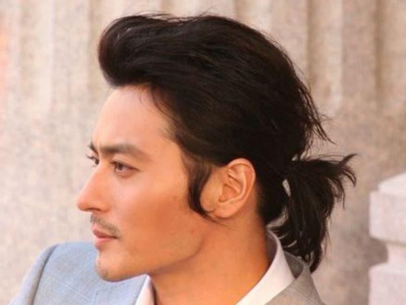 Nam sao Hàn nổi tiếng với mái tóc dài lãng tử