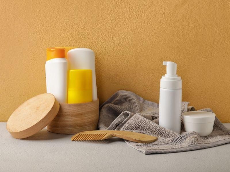 Nên hạn chế tối đa hóa chất sử dụng lên tóc