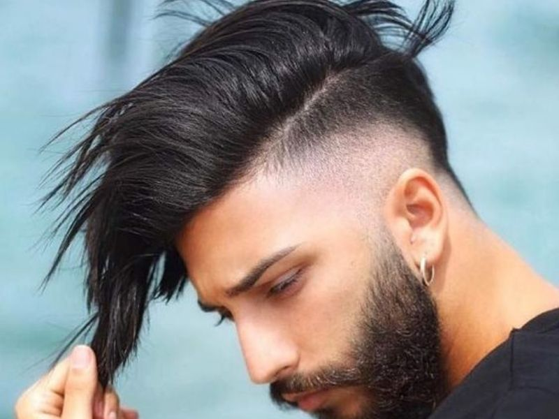 Tóc thẳng cắt kiểu side swept