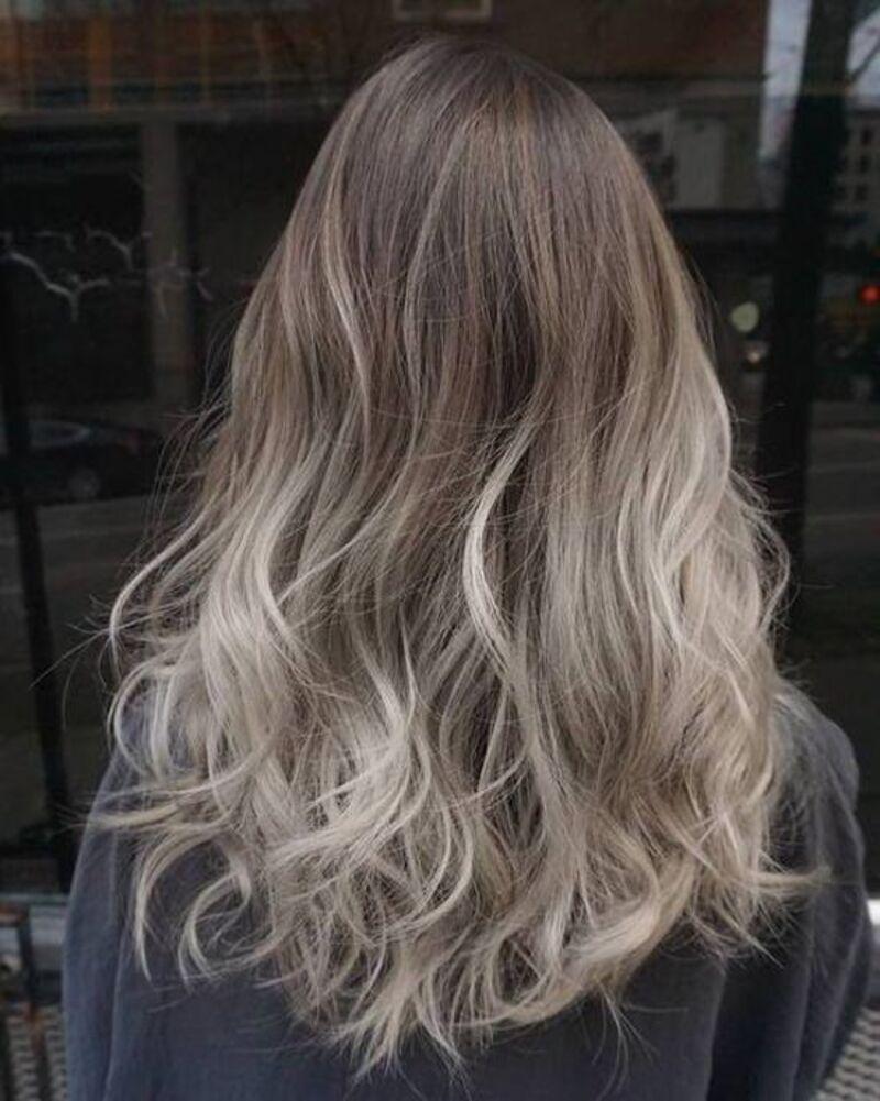 Hiệu ứng ombre vô cùng ngọt khi kết hợp với mái tóc màu nâu tây